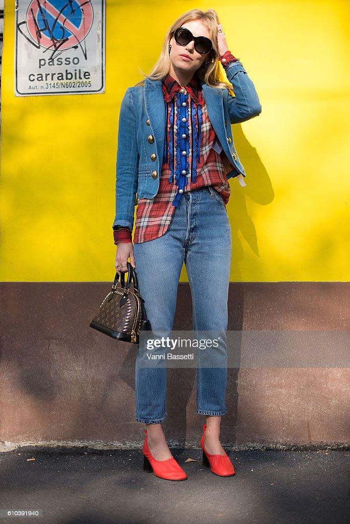 Street Style: September 25 - Milan Fashion Week Spring/Summer 2017 : ニュース写真