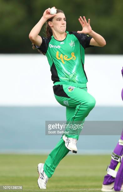 Annabel Sutherland of the Stars bowls during the Women's Big Bash League match between the Hobart Hurricanes and the Melbourne Stars at West Park on...