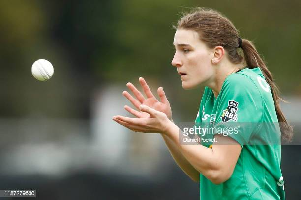 Annabel Sutherland of the Stars prepares to bowl during the Women's Big Bash League match between the Melbourne Stars and the Brisbane Heat at...