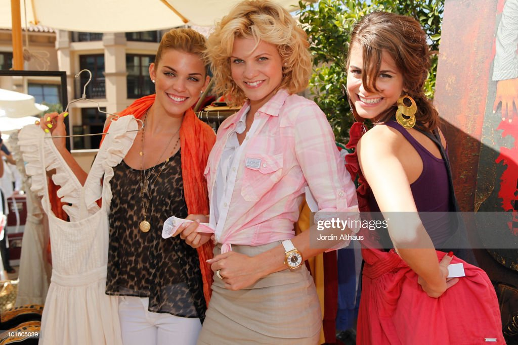 AnnaLynne McCord, Angel McCord and Rachel McCord pose with Superdry at the Kari Feinstein MTV Movie Awards Style Lounge held at Montage Beverly Hills on June 3, 2010 in Beverly Hills, California.