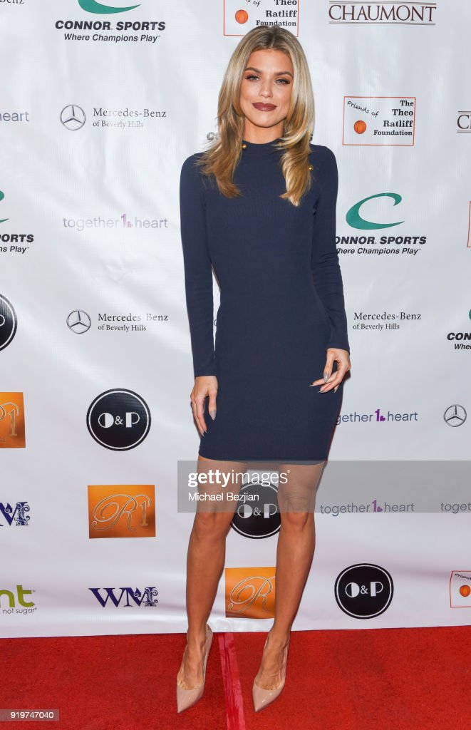 Annalynne McCord attends '90 Minutes of Soultions?' Presented by Seanne N. Murray Enterprises at Mercedes - Benz of Beverly Hills on February 17, 2018 in Los Angeles, California.
