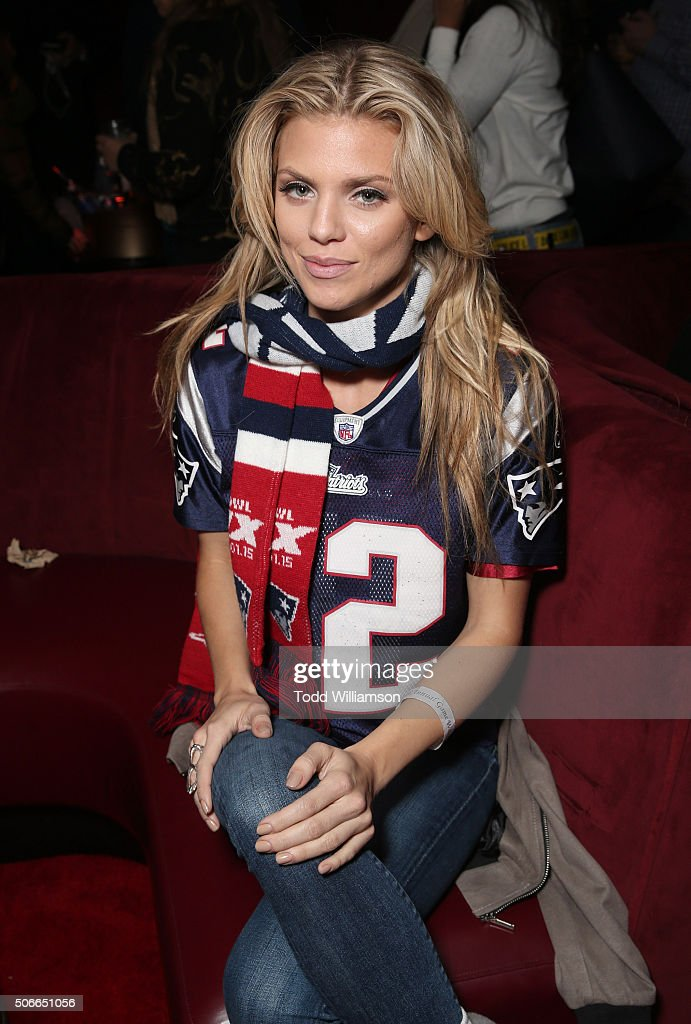 AnnaLynne McCord attends the Ainsworth Game Watch Party Presented By Element Electronics on January 24, 2016 in Park City, Utah.