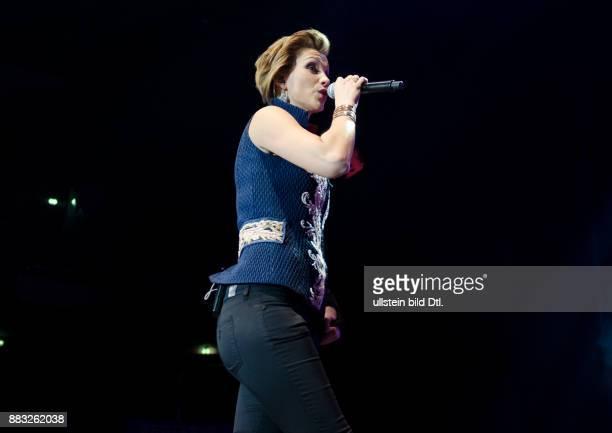 AnnaMaria Zimmermann bei der Schlagernacht des Jahres 2015 in der Mercedes Benz Arena Berlin am