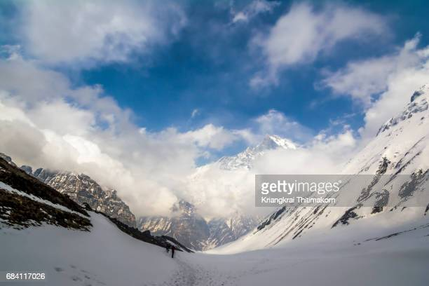 annapurna base camp: landscape on the way to base camp. - annapurna south stock photos and pictures