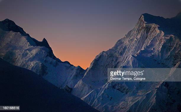 annapurna circuit, himalaya, nepal - dietmar temps ストックフォトと画像