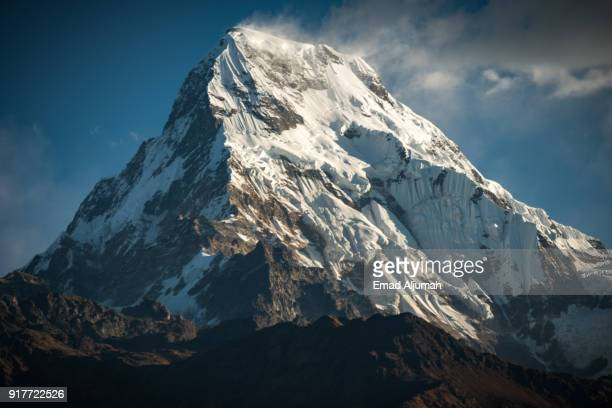 annapurna south, annapurna mountain range, annapurna region, nepal - november 22, 2012 - united_states_senate_election_in_virginia,_2012 stock pictures, royalty-free photos & images
