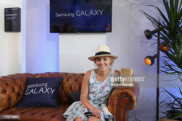 AnnaSophia Robb at the Samsung Galaxy Artist Lounge at Lollapalooza on August 3 2013 in Chicago City
