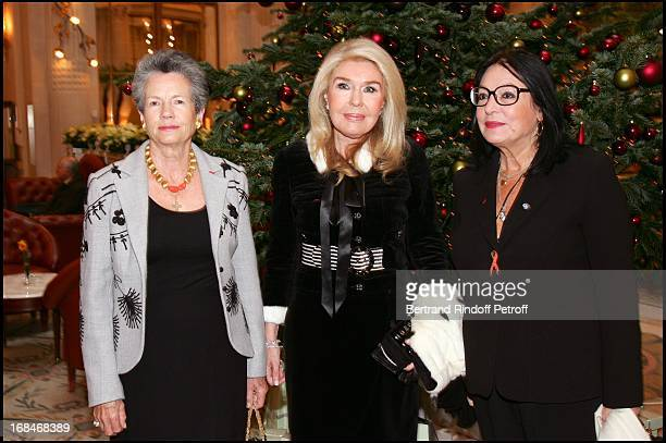 Anne Aymone Giscard D'Estaing Mrs Vardis Vardinoyannis and Nana Mouskouri Lunch at the Meurice hotel in Paris organized by the foundation for...