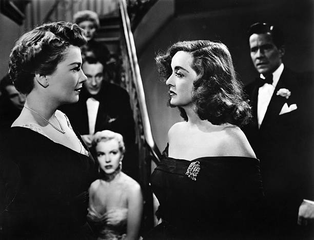 anne-baxter-and-bette-davis-play-eve-har