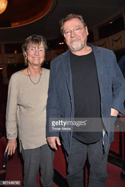 Anne Dohrenkamp and Juergen von der Lippe attend the 'Die Niere' premiere on March 4 2018 in Berlin Germany