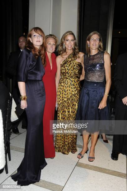 Anne Grauso Muffie PotterAston Julia Koch and Lisa Cashin attend AMERICAN BALLET THEATRE 2009 Fall Gala at Avery Fisher Hall on October 7 2009 in New...