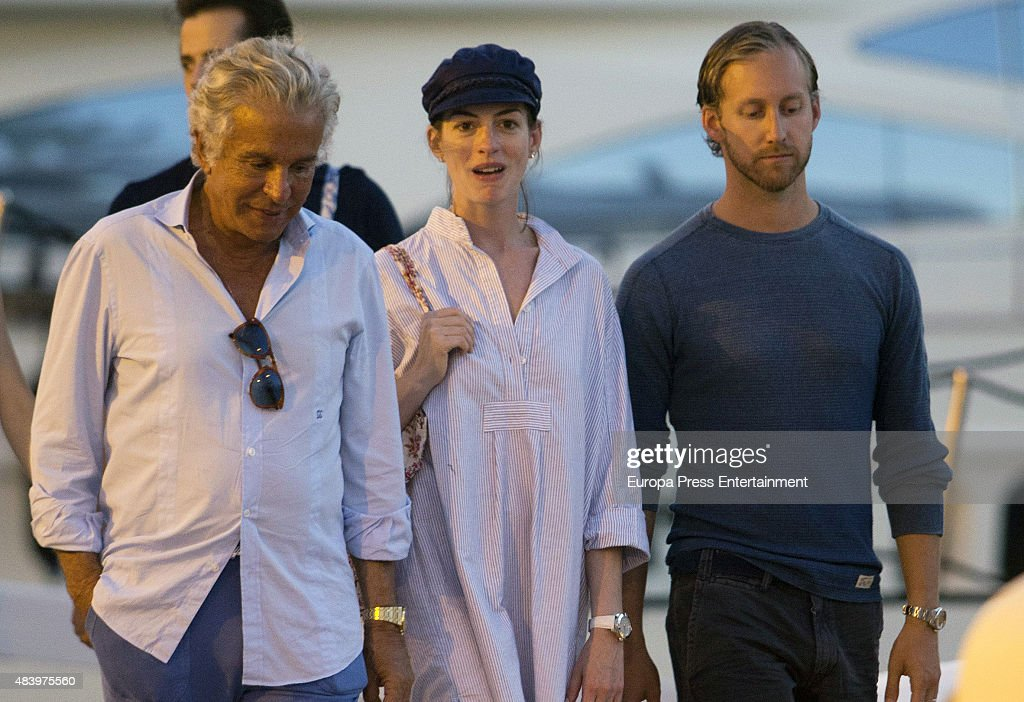 Anne Hathaway Sighting in Ibiza - August 13, 2015 : News Photo