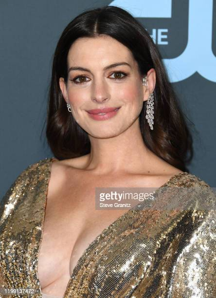 Anne Hathaway arrives at the 25th Annual Critics' Choice Awards at Barker Hangar on January 12 2020 in Santa Monica California