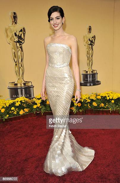 Anne Hathaway arrives at the 81st Annual Academy Awards held at The Kodak Theatre on February 22 2009 in Hollywood California