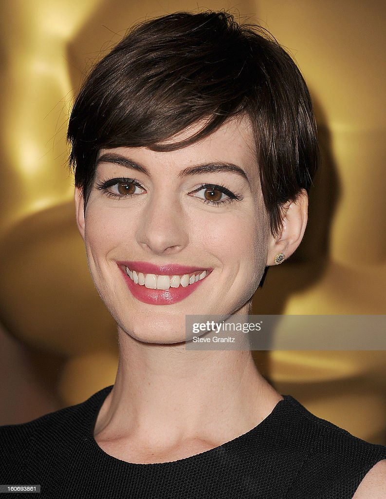 Anne Hathaway arrives at the 85th Academy Awards - Nominees Luncheon at The Beverly Hilton Hotel on February 4, 2013 in Beverly Hills, California.