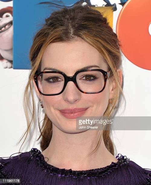 Anne Hathaway Ziegfeld Theatre: Anne Hathaway Pictures And Photos
