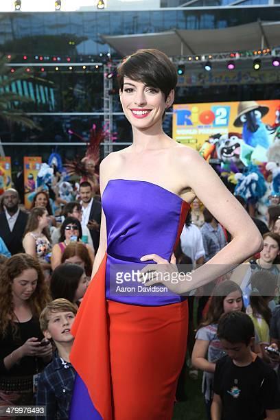 "Anne Hathaway attends ""Rio 2"" premiere at Fontainebleau Miami Beach on March 21, 2014 in Miami Beach, Florida."
