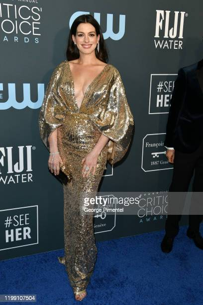 Anne Hathaway attends the 25th Annual Critics' Choice Awards held at Barker Hangar on January 12, 2020 in Santa Monica, California.