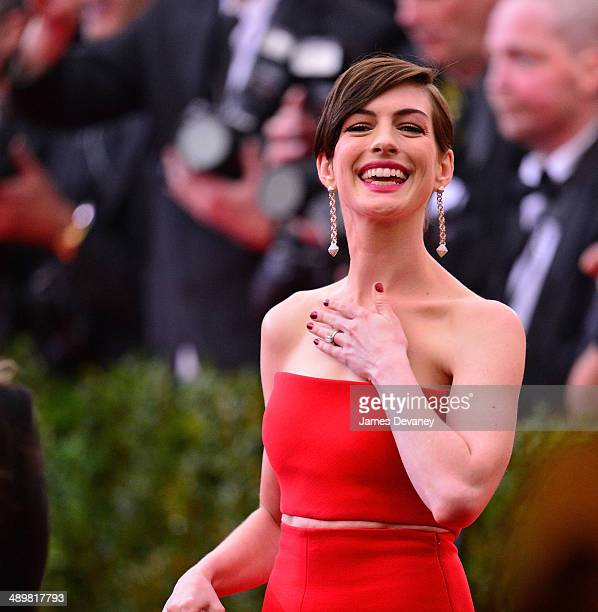 "Anne Hathaway attends the ""Charles James: Beyond Fashion"" Costume Institute Gala at the Metropolitan Museum of Art on May 5, 2014 in New York City."