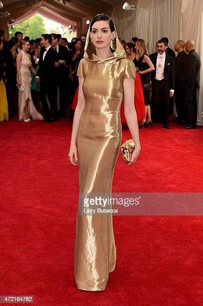 "Anne Hathaway attends the ""China: Through The Looking Glass"" Costume Institute Benefit Gala at the Metropolitan Museum of Art on May 4, 2015 in New..."