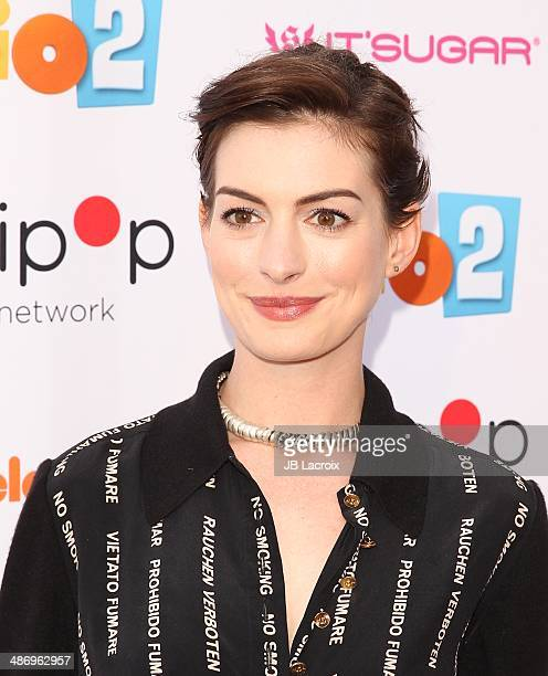 Anne Hathaway Ziegfeld Theatre: Lollipop Theater Networks A Night Under The Stars Hosted