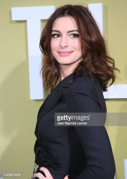 """Anne Hathaway attends the premiere of MGM's """"The Hustle"""" at ArcLight Cinerama Dome on May 08, 2019 in Hollywood, California."""