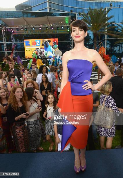 """Anne Hathaway attends the """"Rio 2"""" Premiere at Fontainebleau Miami Beach on March 21, 2014 in Miami Beach, Florida."""