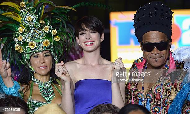 Anne Hathaway attends the 'Rio 2' Premiere at Fontainebleau Miami Beach on March 21, 2014 in Miami Beach, Florida.