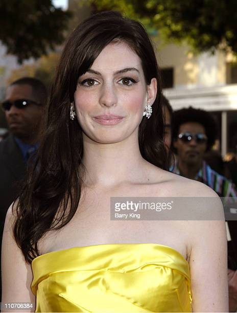 "Anne Hathaway during 2006 Los Angeles Film Festival - Opening Night Premiere of 20th Century Fox's ""The Devil Wears Prada"" - Arrivals at Mann Village..."