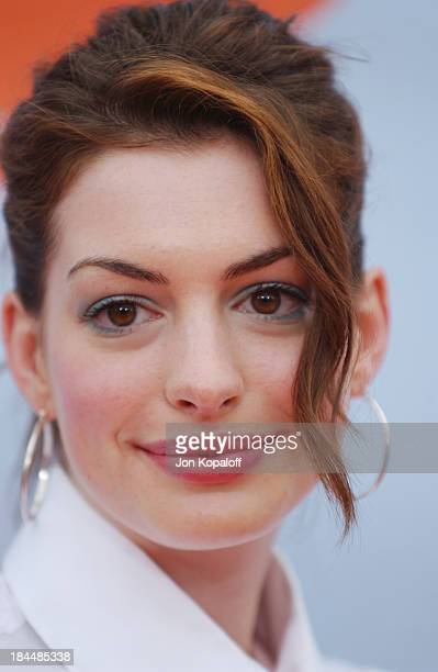 Anne Hathaway during Nickelodeon's 17th Annual Kids' Choice Awards Arrivals at Pauley Pavillion in Westwood California United States