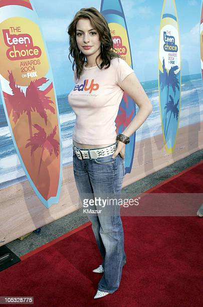 Anne Hathaway during The 2004 Teen Choice Awards Red Carpet at Universal Amphitheatre in Universal City California United States
