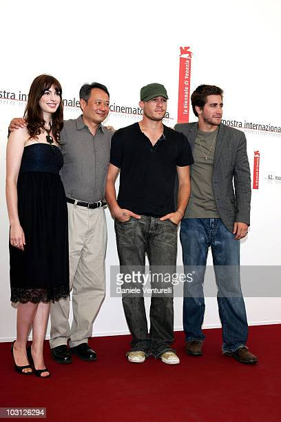 Anne Hathaway Heath Ledger Jake Gyllenhaal and Ang Lee