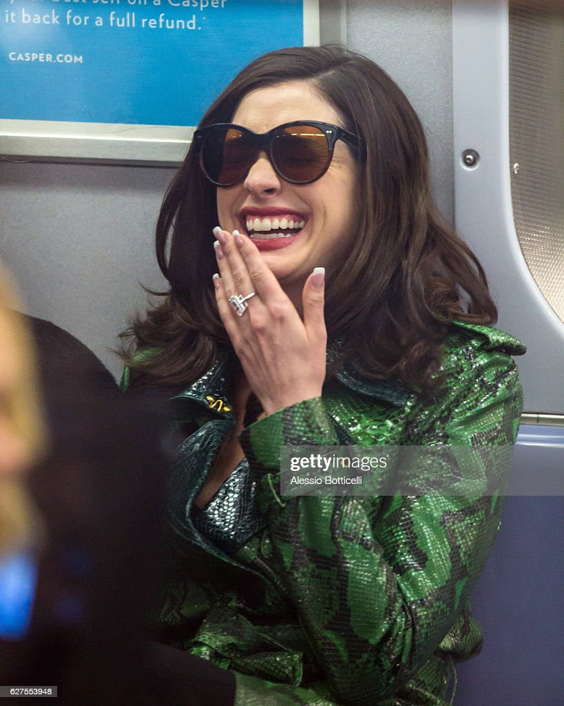 Anne Hathaway is seen on location for 'Ocean's Eight's 8' on December 3, 2016 in New York City.