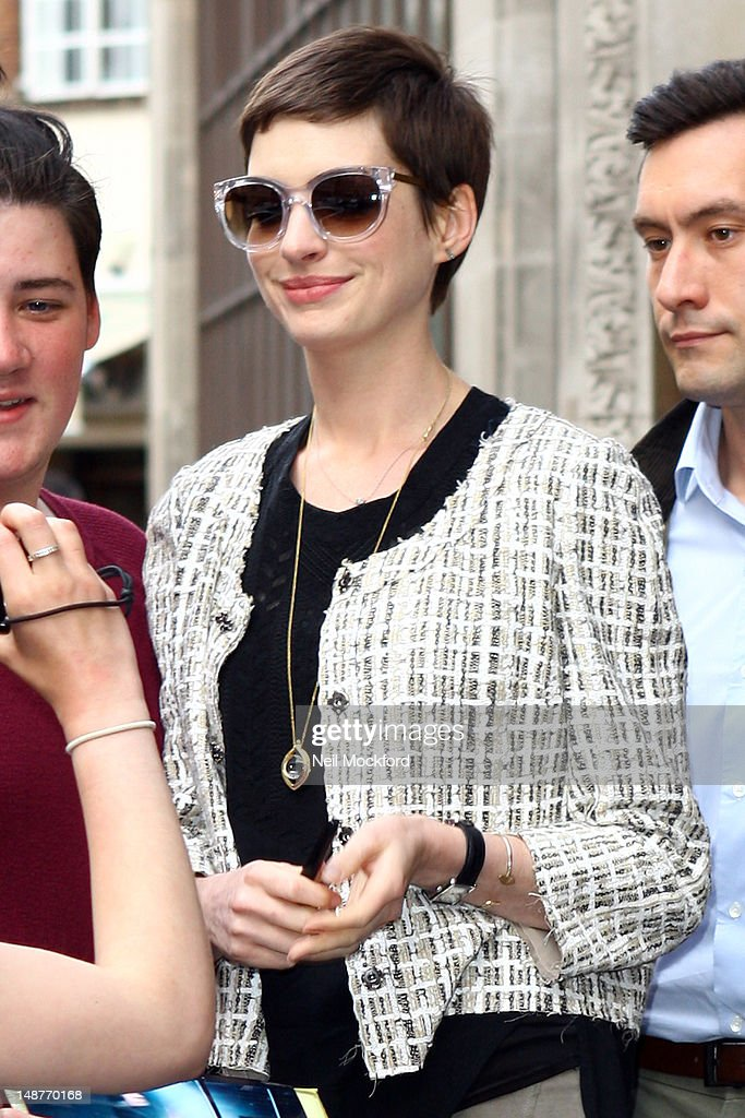 Anne Hathaway Sighting in London - July 19, 2012 : News Photo
