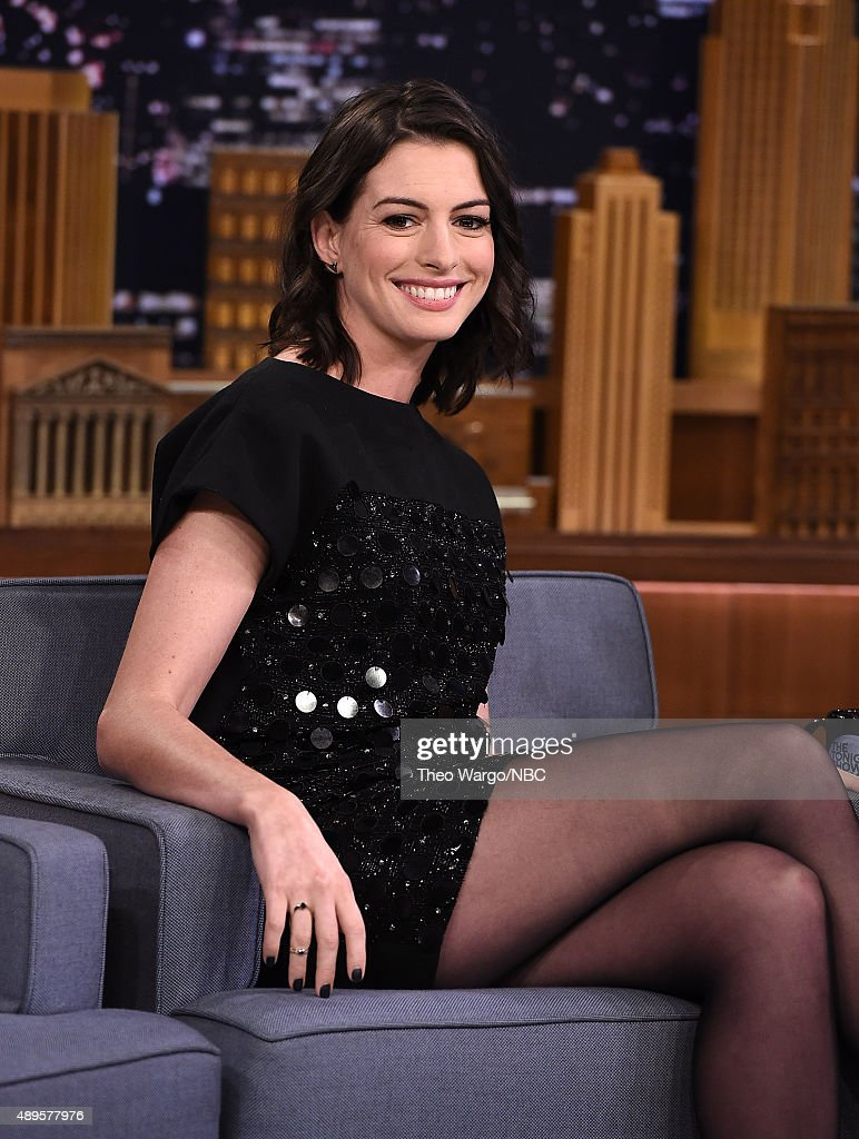 Anne Hathaway Visits 'The Tonight Show Starring Jimmy Fallon' at Rockefeller Center on September 22, 2015 in New York City.