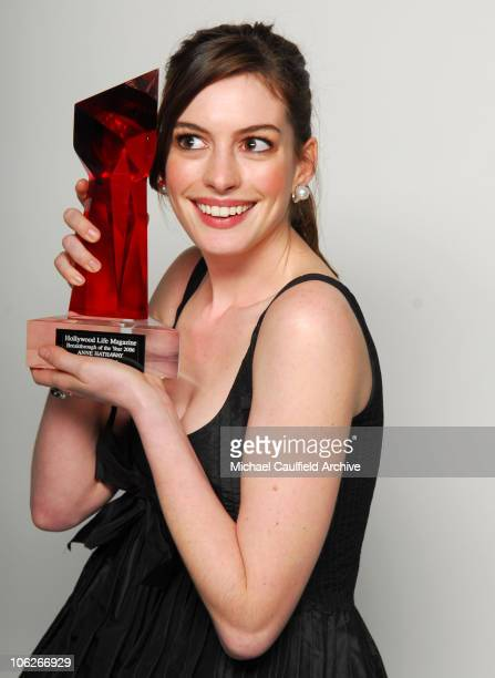 "Anne Hathaway, winner Star of the Year Award for ""The Devil Wears Prada"""