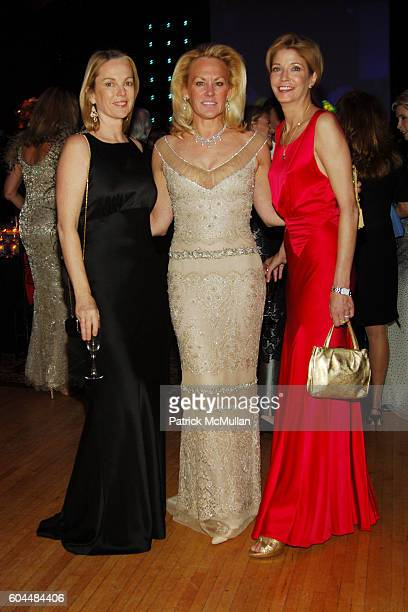 Anne Hearst Muffie Potter Aston and Candace Bushnell attend The 2006 ALZHEIMER'S ASSOCIATION Rita Hayworth Gala at The Waldorf Astoria on November 14...