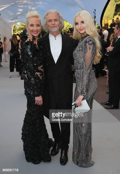 Anne HecheAnna Hiltrop,Hermann Buehlbecker and Anna Hiltrop arrive at the amfAR Gala Cannes 2018 at Hotel du Cap-Eden-Roc on May 17, 2018 in Cap...