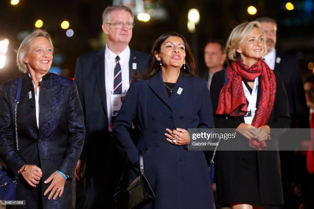 Anne Hidalgo (C), Mayor of Paris, during the red carpet prior to the Opening Ceremony of the IOC Lima 2017 Session at Teatro Nacional de Lima on September 12, 2017 in Lima, Peru.