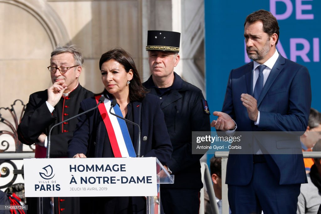 FRA: Parisians Invited To Pay Hommage To Notre Dame Benefactors