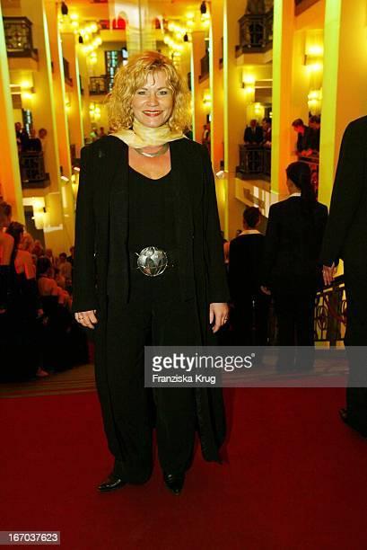 Anne Kasprik Bei Der Verleihung Der 'Goldenen Henne' Im Berliner Friedrichstadt Palast