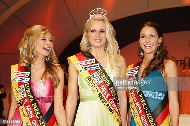 Anne Kathrin Kosch Tiffany Sachs Samantha Striegel 'Miss Germany'Wahl 2011 'Europa Park' Rust bei Freiburg BadenWürttemberg Deutschland Europa Bühne...
