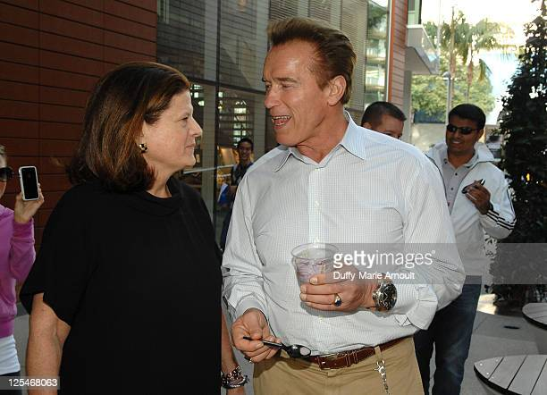Anne Keating and Arnold Schwarzenegger attend the Think Purple Now Fundraiser with Project 360 and Threads for Thought to benefit the Alzheimer's...