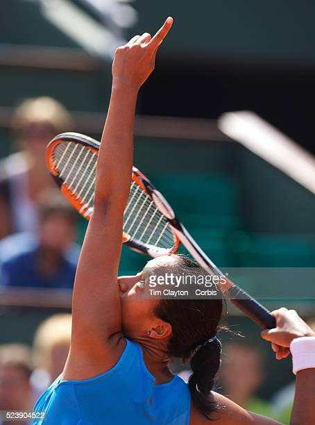'Anne Keothavong of Great Britain losing to Dinara Safin of Russia 60 60 in the first round of the French Open Tennis Tournament at Roland Garros...