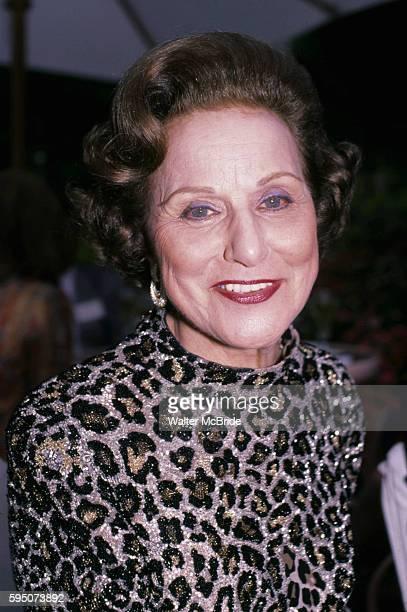 Anne Landers in Los Angeles 1986Pauline Friedman Phillips who under the name Abigail Van Buren wrote the longrunning Dear Abby advice column followed...