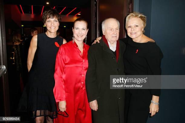 Anne Le Nen Carole Bouquet Michel Bouquet and Muriel Robin attend 'Les Monologues du Vagin' during 'Paroles Citoyennes 10 shows to wonder about the...