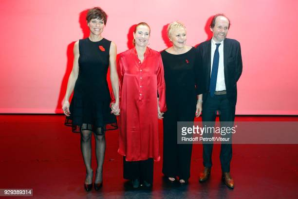 Anne Le Nen Carole Bouquet Muriel Robin and JeanMarc Dumontet attend 'Les Monologues du Vagin' during 'Paroles Citoyennes 10 shows to wonder about...