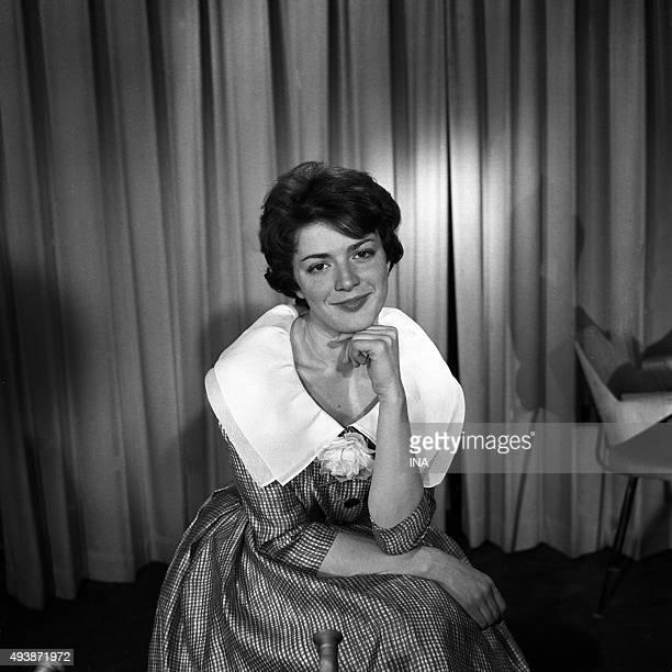 Anne Marie Peysson announcer