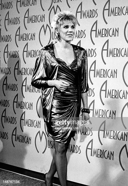 Anne Murray attends 14th Annual American Music Awards on January 26 1987 at the Shrine Auditorium in Los Angeles California