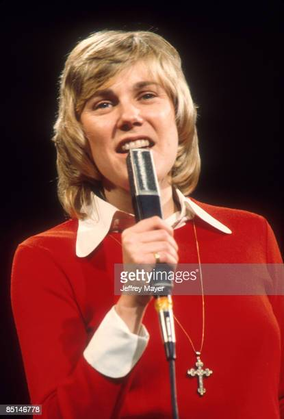 Anne Murray in concert on a TV Show